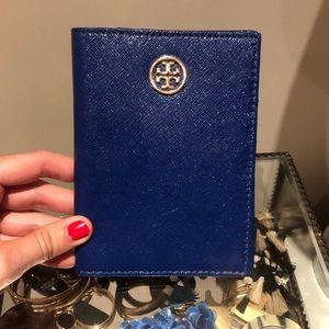 Tory Burch - Passport Wallet